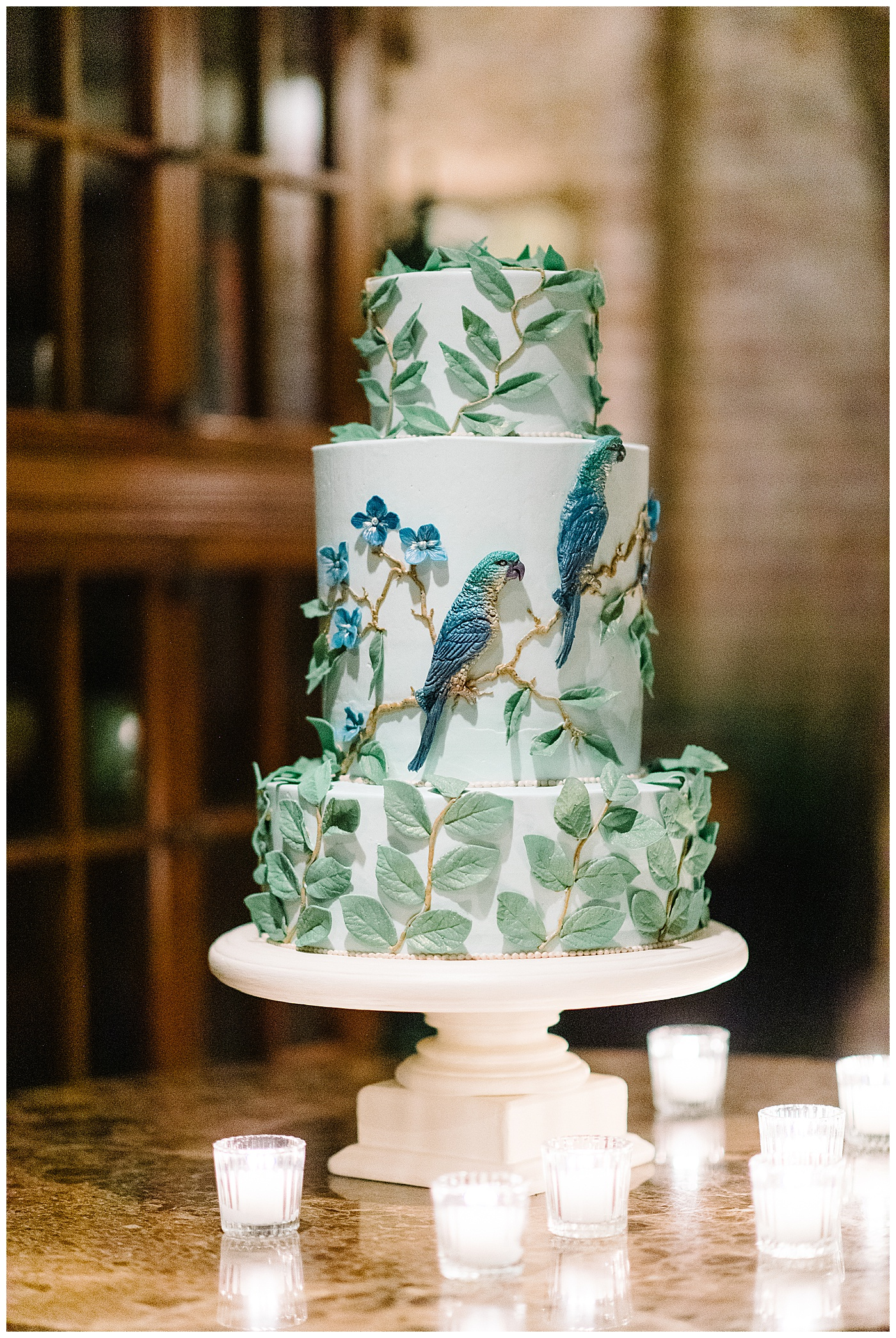 bird wedding cake